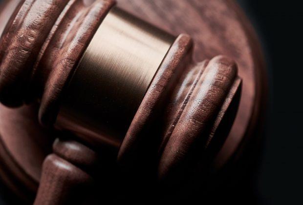 Czym zajmuje się adwokat, prawnik, radca prawny, notariusz